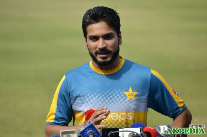 Rumman Raees giving Interview