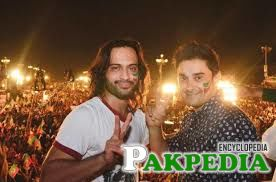 waqar zaka in concert