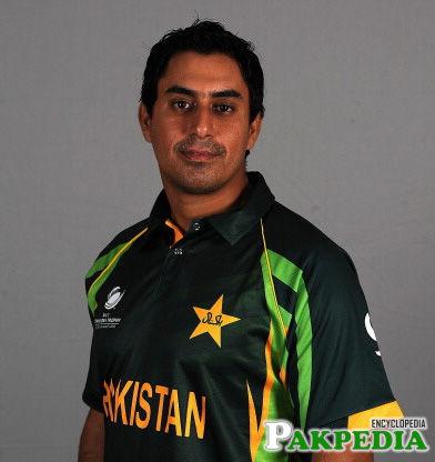 Nasir Jamshed in Green Shirt