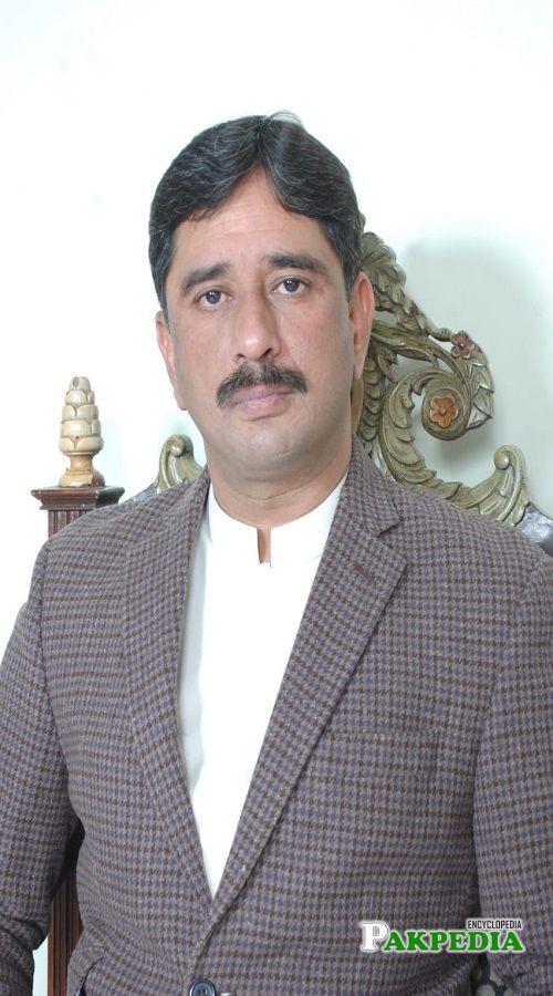Azhar Qayyum Biography