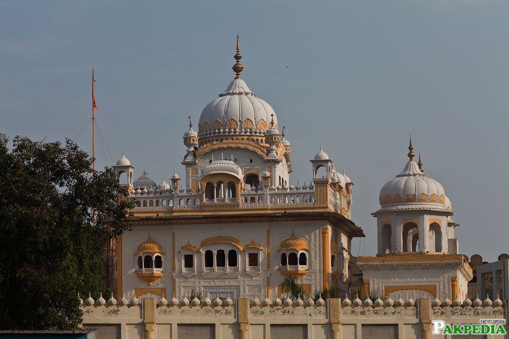 Its construction was started by Maharaja Ranjit Singh's son