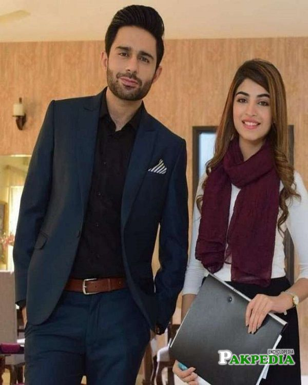 Hamza with Kinza Hashmi on sets of 'Seerat'