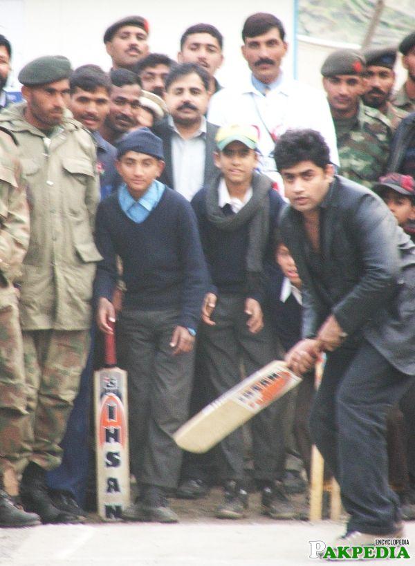 Abrar Ul Haq playing cricket