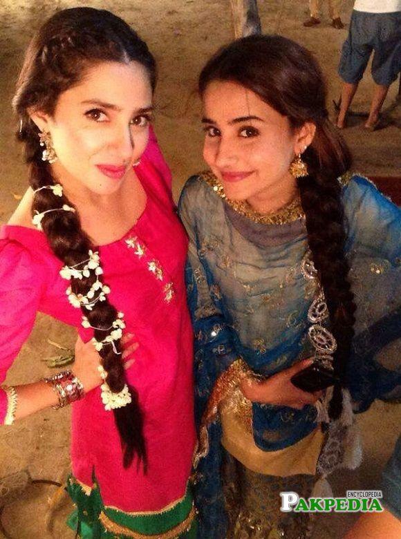 Sania Shamshad with Mahira Khan on sets of Sadqai Tumharai