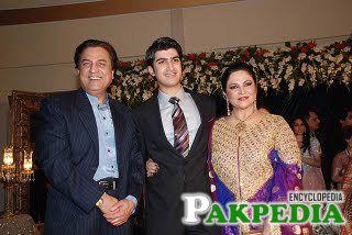 Naeem Bokhari with Family
