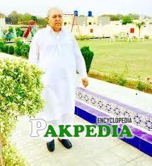 Faiza Mushtaq father Deewan Mushtaq