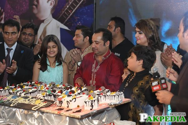 Rahat Fateh Ali Khan With His Son and Family Celebrating birthday while cutting Cake