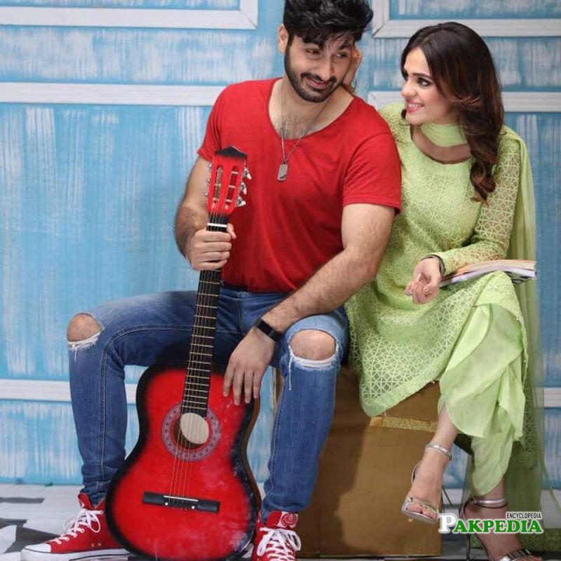 Sumbul with syed jibran on sets of 'Aik thi rania'