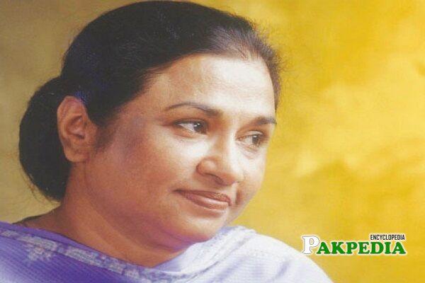 Nayyara Noor Singer