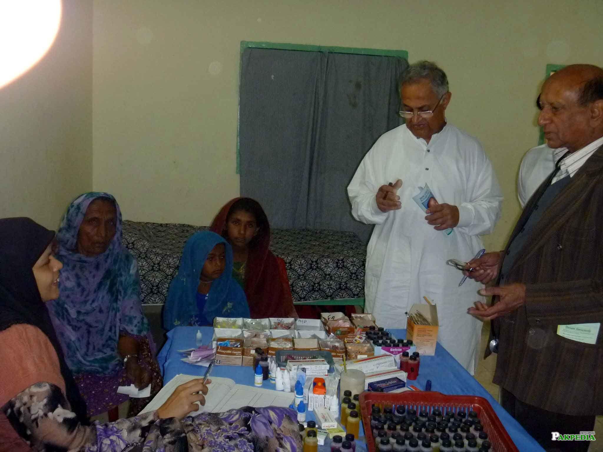 Nisar Memon in medical Camp