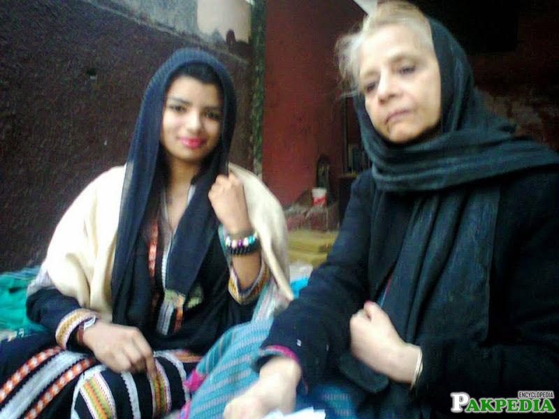 Zeenat Shehzadi with a old lady