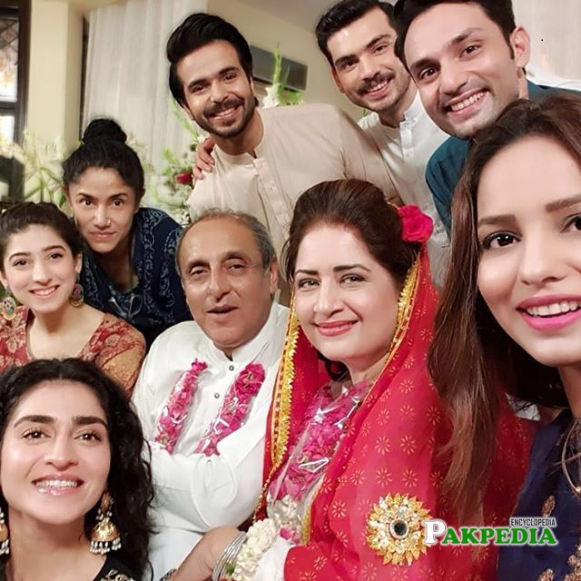 Osama Tahir with the cast of 'Dil hi tou hai'