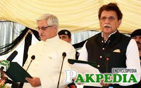 Farooq Haider Khan taking Oath