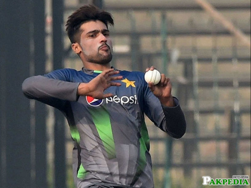 Mohammad Amir is Bowling hard