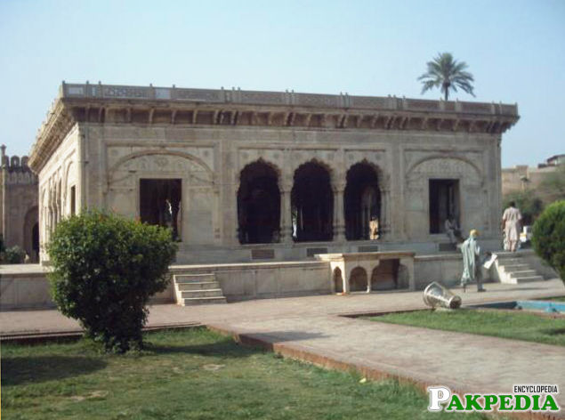 Hazuri Bagh (Urdu: حضوری باغ‎) is a garden in Lahore