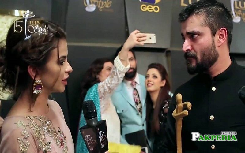 Hira hussain during hosting red carpet of Lux awards