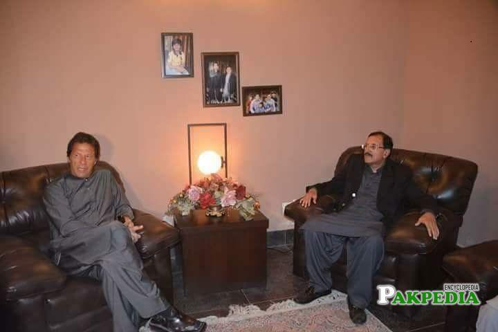 Tahir Sadiq with PM Imran khan