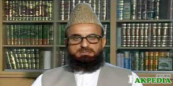 Mufti Muneeb-ur-Rehman is also a Professor
