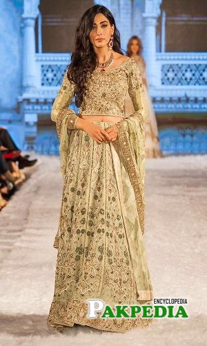 Eshal as a showstopper