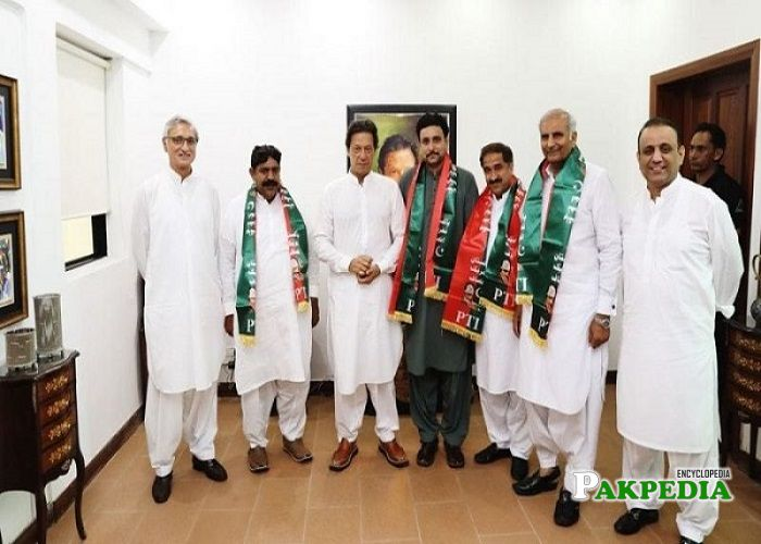 Hussain Jahani Gardezi left PMLN and Join PTI