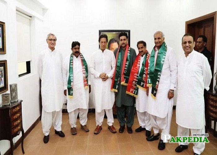 Hussain Jahani Gardezi left PMLN and Join PTI