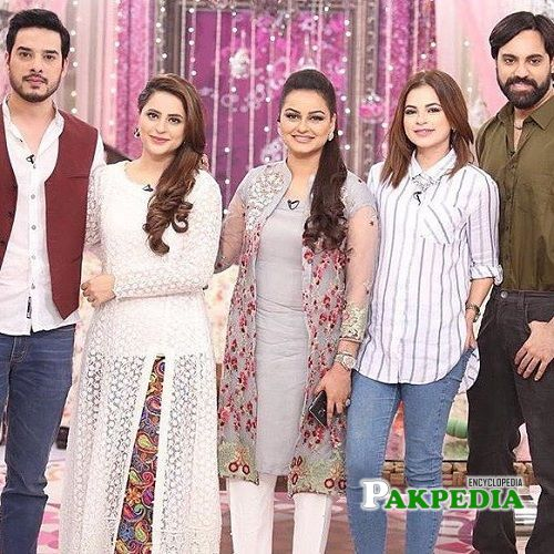 Javeria Abbasi on sets