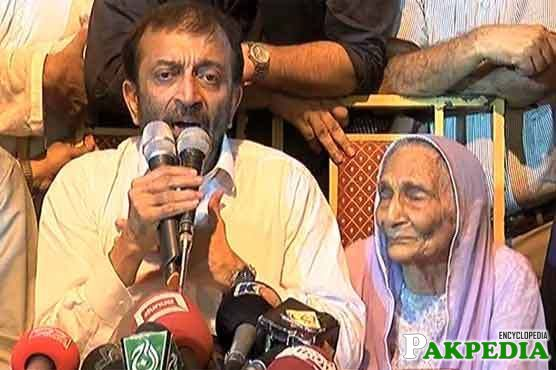 Farooq Sattar Took Back His Resignation After His Mother Urged Him