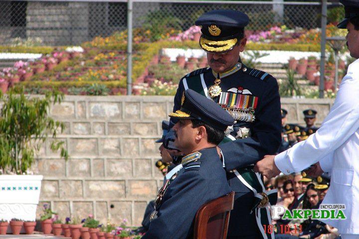 Change of the rank to Air Chief Marshal by Air Chief Marshal (r) Kaleem Saadat