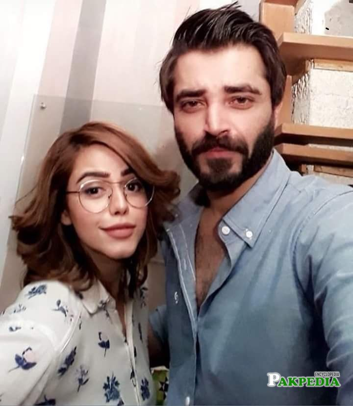 Hina with Hamza Ali Abbasi on sets of Alif