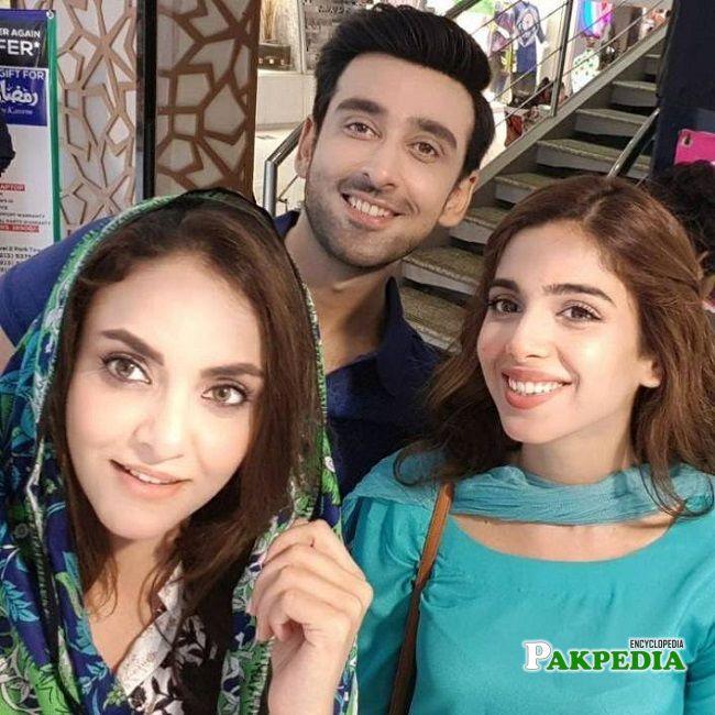 Sami khan with the cast of 'Aisi hai tanhai'