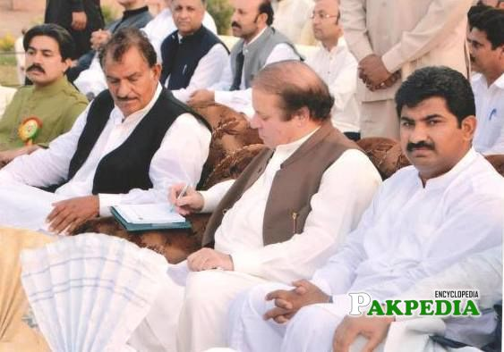Sitting With Nawaz Sharif in a Jalsaa