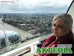 Shehnaz Sheikh is some where in Abroad