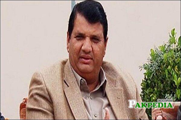 Amir Muqam Biography