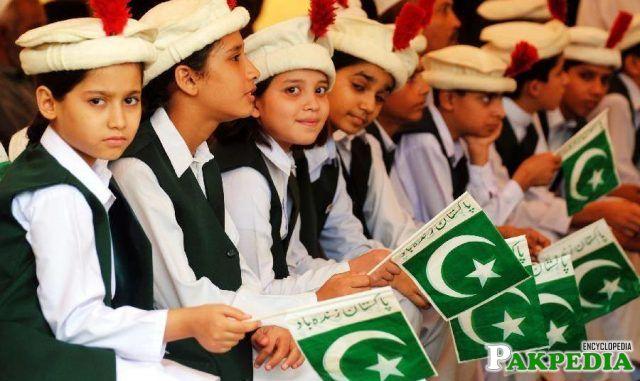 Kids having Pak flags