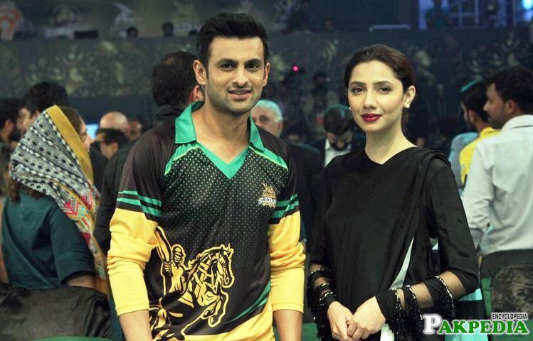 Shoaib Malik with Maira Khan