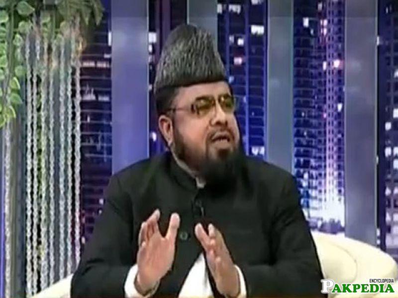 Mufti Abdul Qavi in live talk show