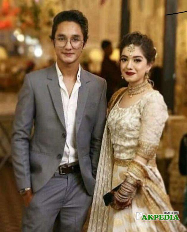 Zuhab Khan with Arisha at her sister's wedding