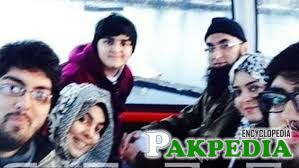 Junaid Jamshed with Family