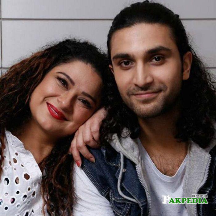 Sania Saeed on sets of Sammi
