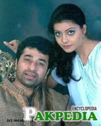 Nida Yasir with husband