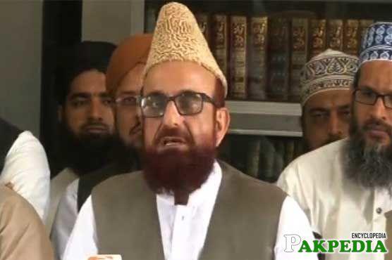 Mufti Muneeb-ur-Rehman with moon sighting committee