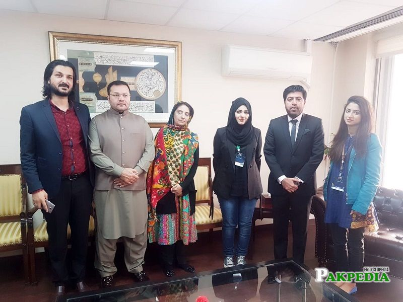 Sana Jamali with the team of International Youth Summit Lahore
