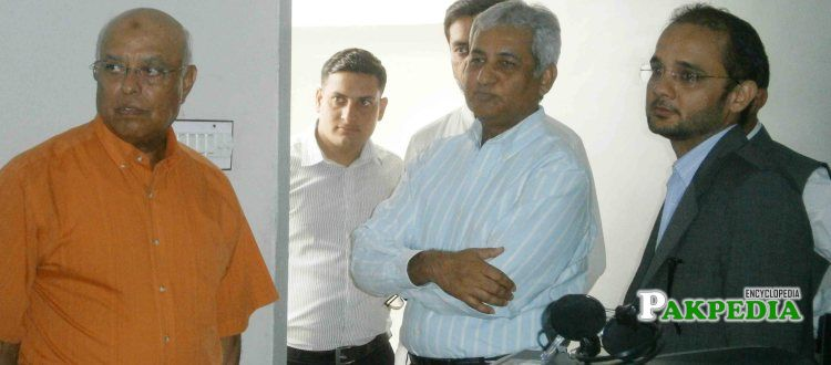 Admiral (R) Shahid Karimullah & Mr. Tariq Wajid, MD Sanofi Aventis Visits GCT School