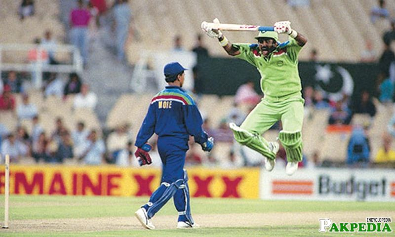 Javed Miandad going Excited
