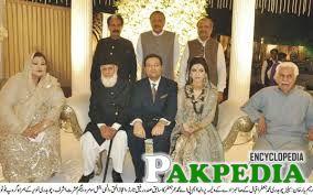 MaizaHameed Group photo with Ex-President Rafiq Tarar
