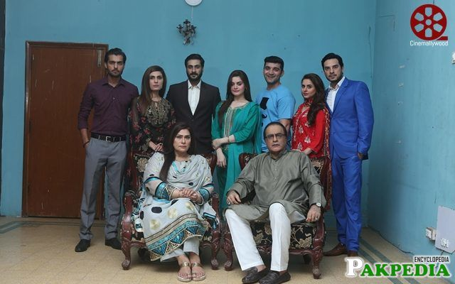 Mehmood Aslam with Team actors