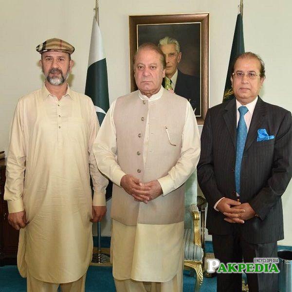 Ghazali Saleem Butt with Nawaz Sharif