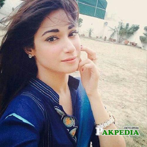 Shameen Khan Biography