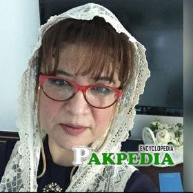Asma Qadeer Biography