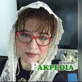 Asma Qadeer Biography